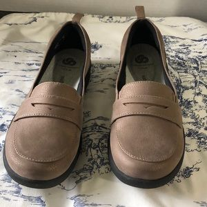 NIB Cloadsteppers by Clarks pewter loafer